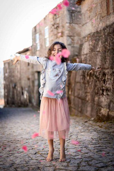generative-quem-somos-crianca-aldeia-flores-ar